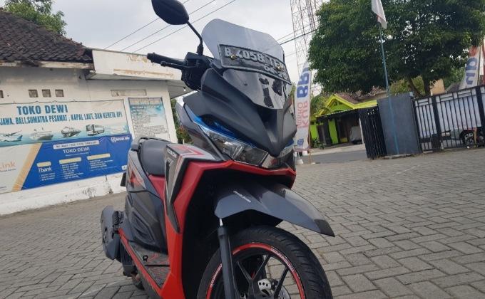 Proses Pemasangan Kedok Honda Vario